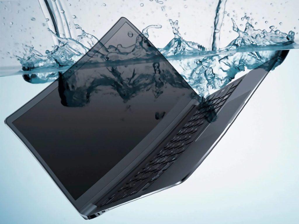 Тонущий ноутбук